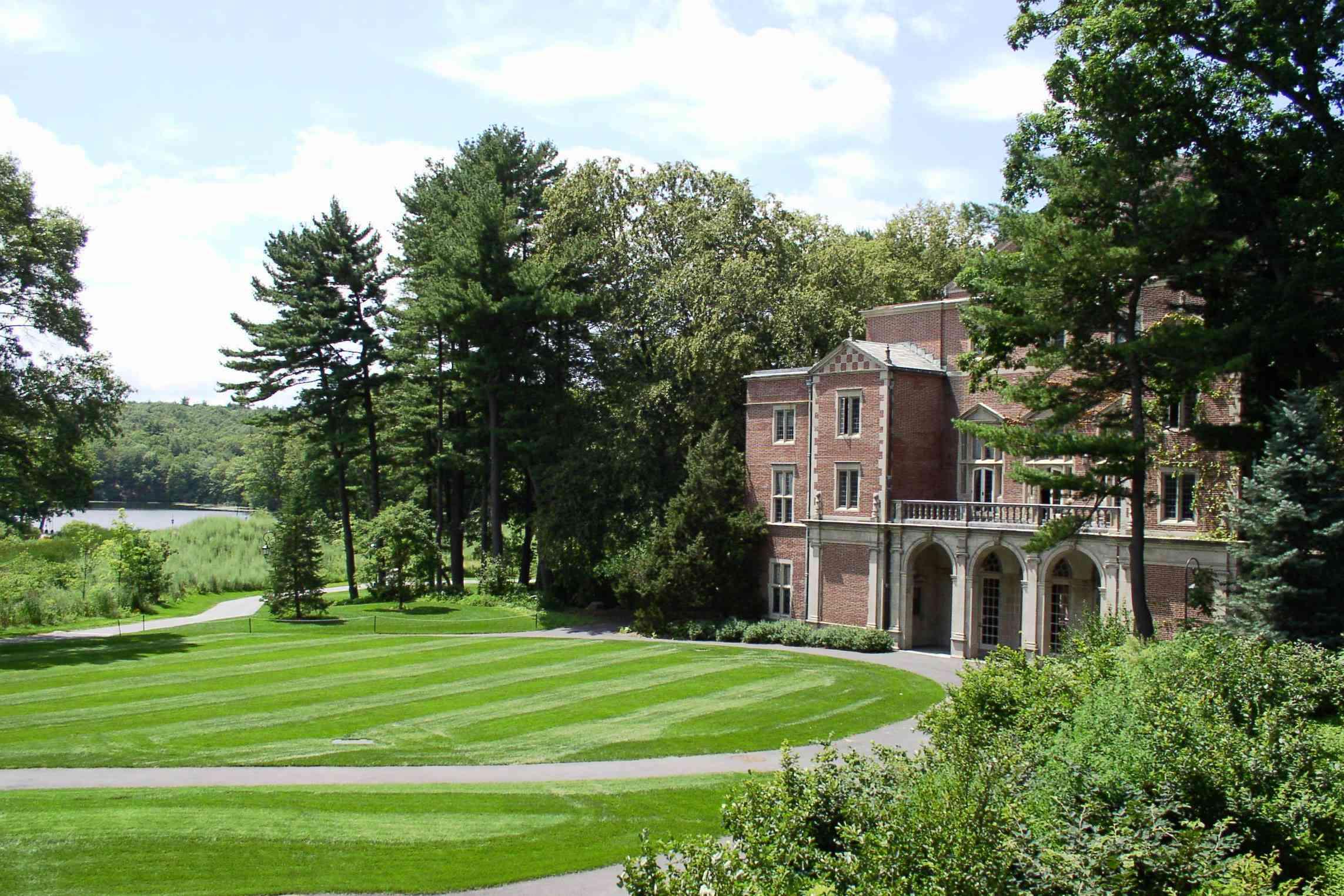 Alumni Hall at Wellesley College