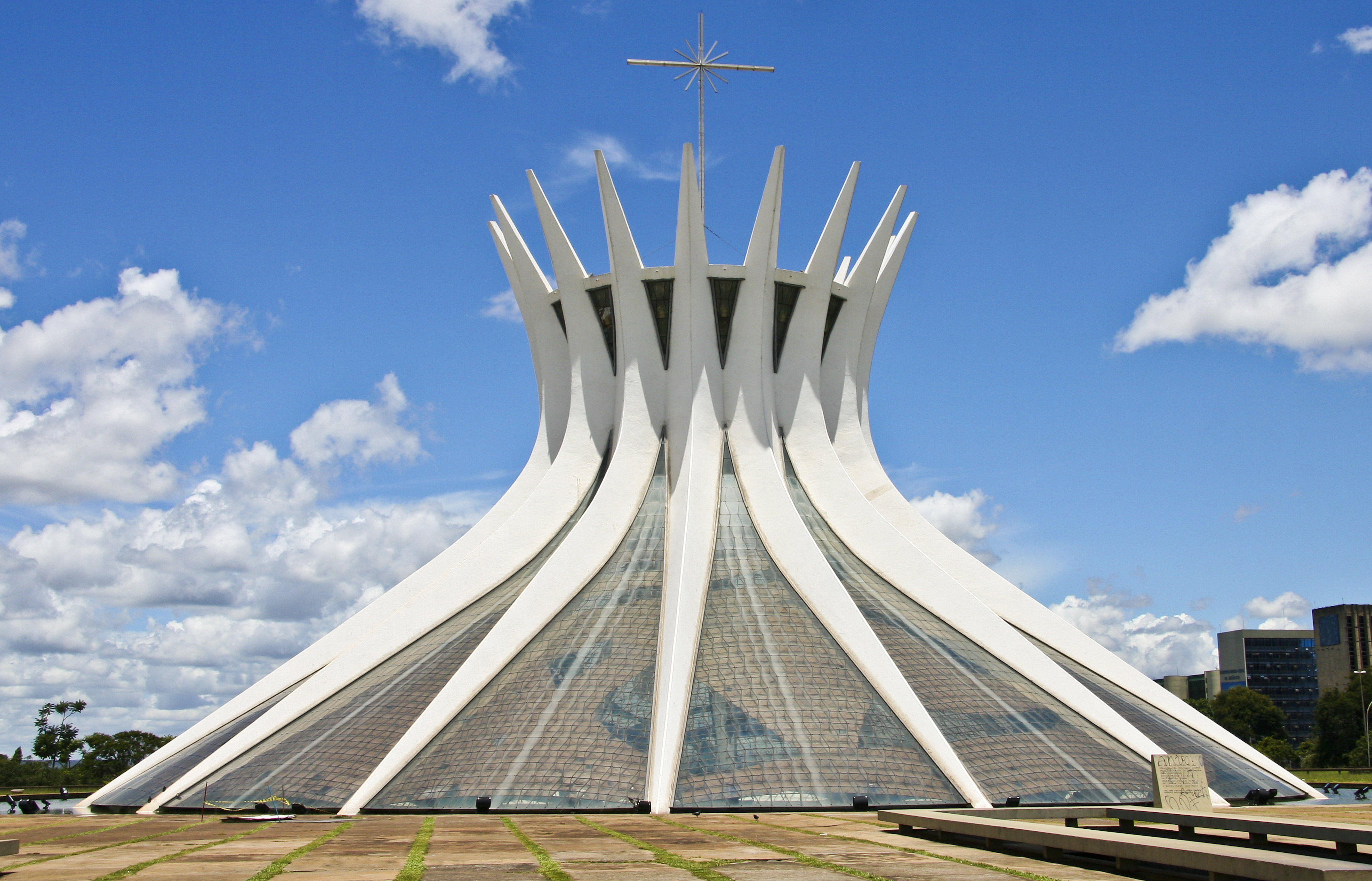 7250a8a1ddc9 Oscar Niemeyer - Photo Portfolio of Selected Works