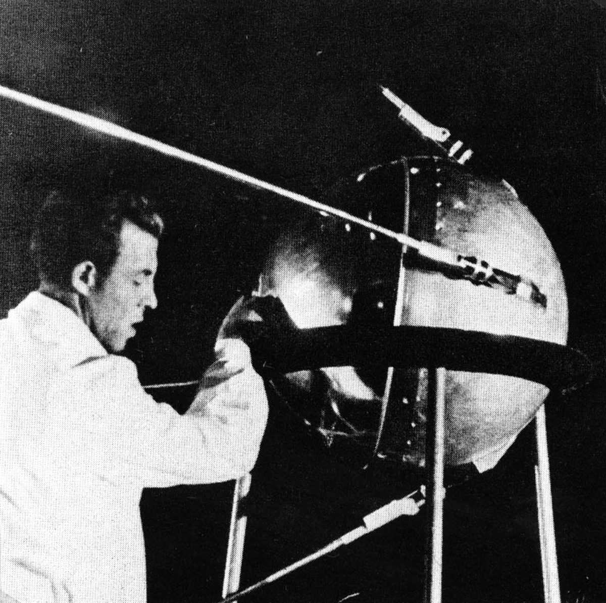 Sputnik 1 Assembly
