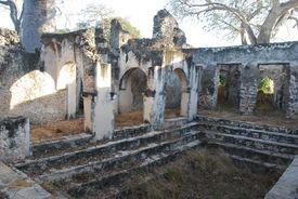 Courtyard of the Palace at Songo Mnara