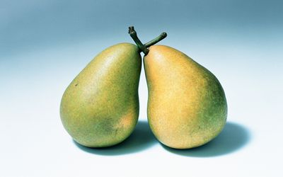 Commonly Confused Words Pair Pare And Pear