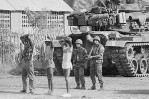 US Soldiers with Prisoners in Grenada