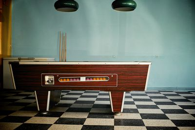 Should You Shoot Pool On A Bar Table Or Not - Mosconi pool table