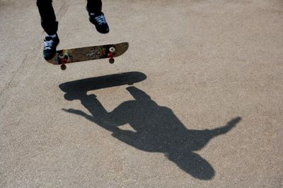 Learn How To Pop Shuvit On A Skateboard