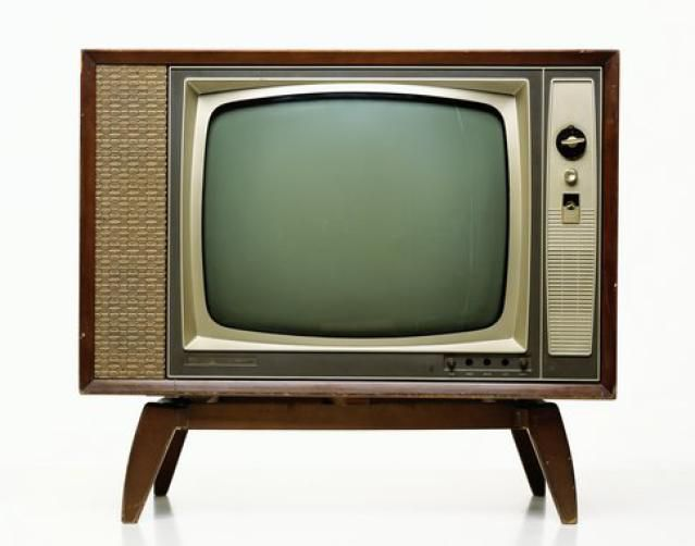a discussion on the benefits of owning a television set First we will discuss life with a television and the benefits of owning a television then we will discuss the benefits of living without a television and life without a television life with a television in our society is considered normal.