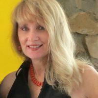 photo of writer Lisa Hallett Taylor