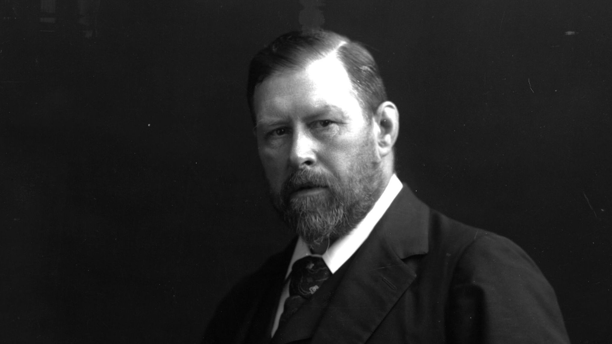 Biography of Bram Stoker, Irish Author