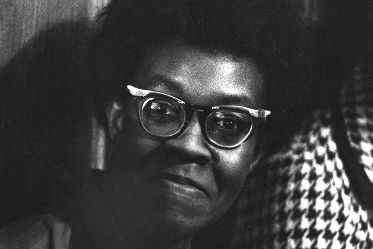 the mother gwendolyn brooks analysis Gwendolyn was a working mother who had it all, but negotiated how and when this is not to say she did not struggle between motherhood and writing that is the story of most mothers who must care for their babies at home alone and such is the predicament in which the artist who is a mother often.