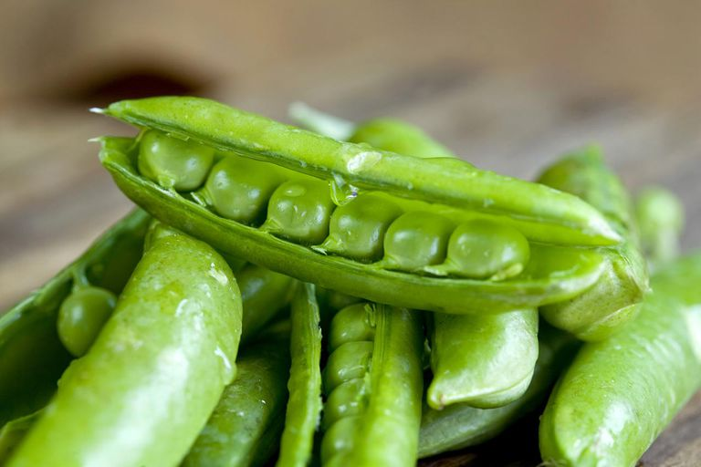 Detail image of fresh English Peas
