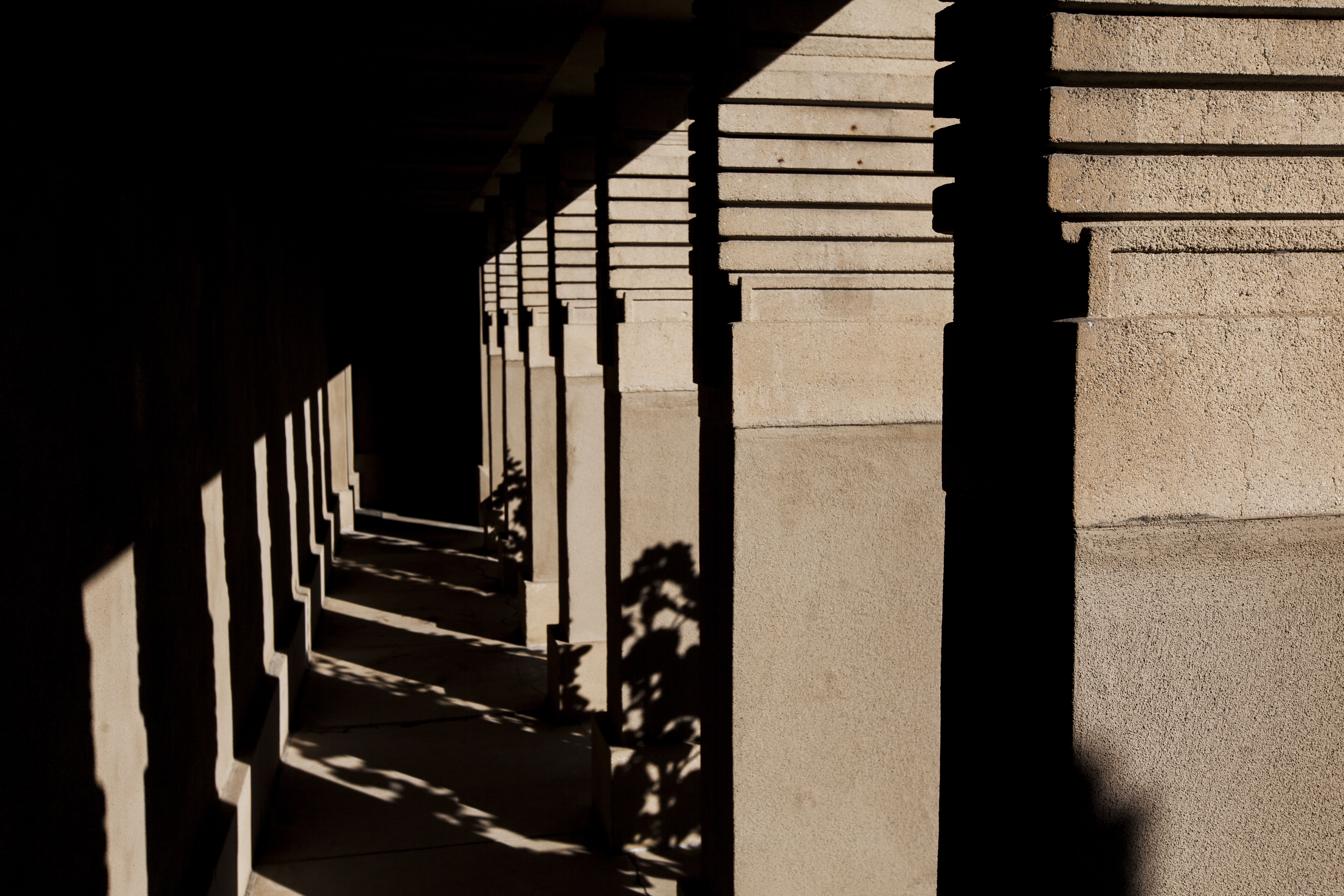Concrete colonnade of the Hollyhock House