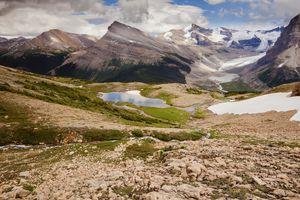 Robson Glacier view from Mumm Basin