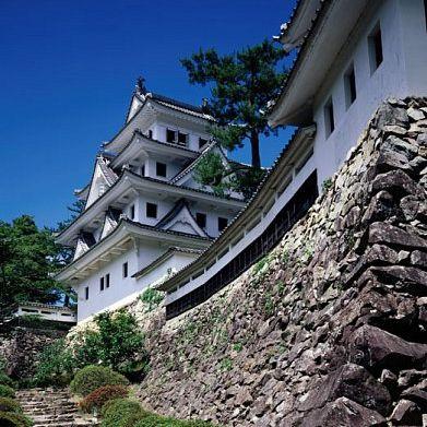 The founding builder was Endo Morikazu, whose son became one of Oda Nobunaga's retainers.