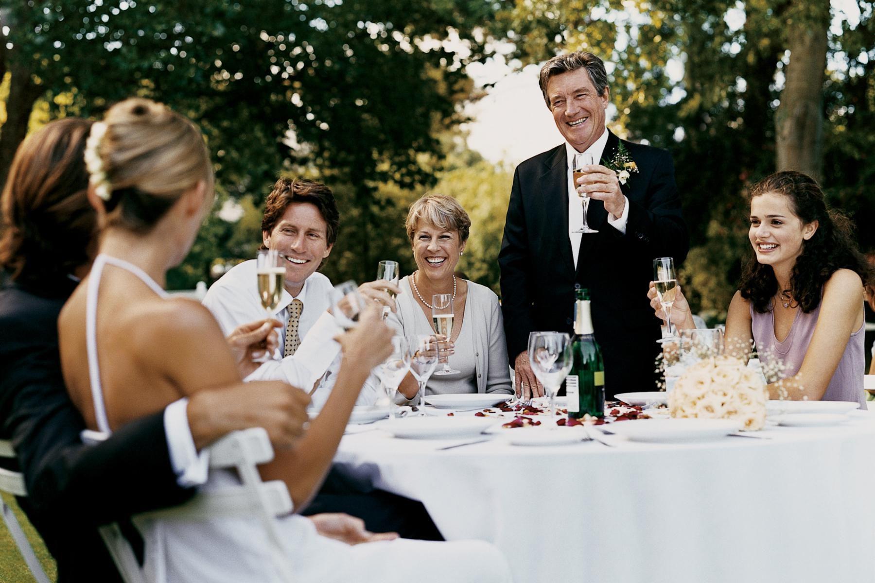 тосты и поздравления на свадьбе для свидетеля статье рассмотрены