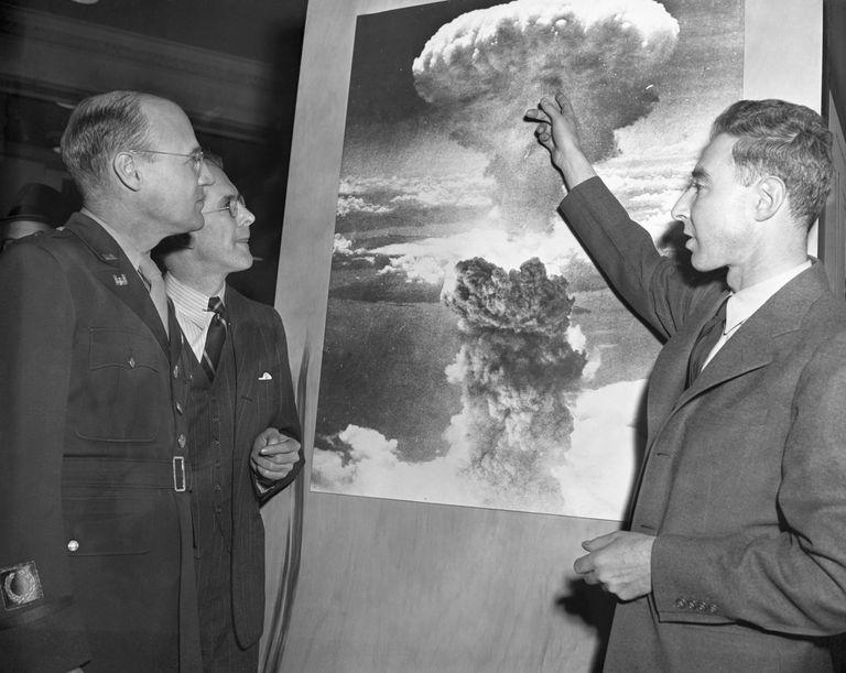 Scientists Visit Atomic Exhibit