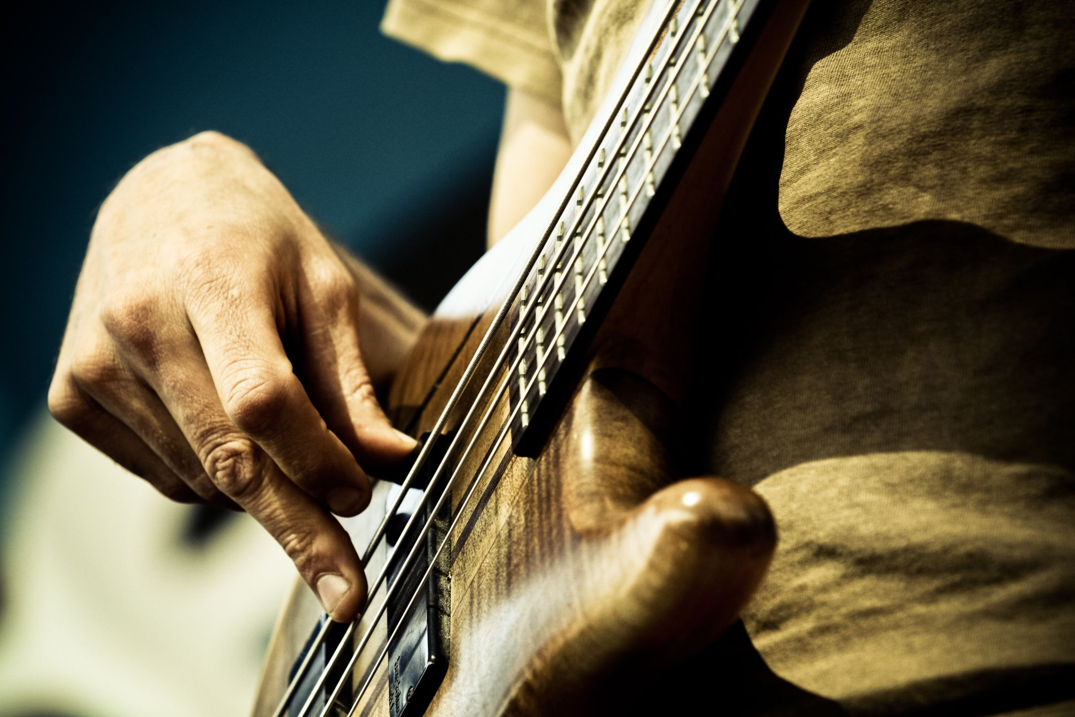 How To Play Along With Chords On Bass