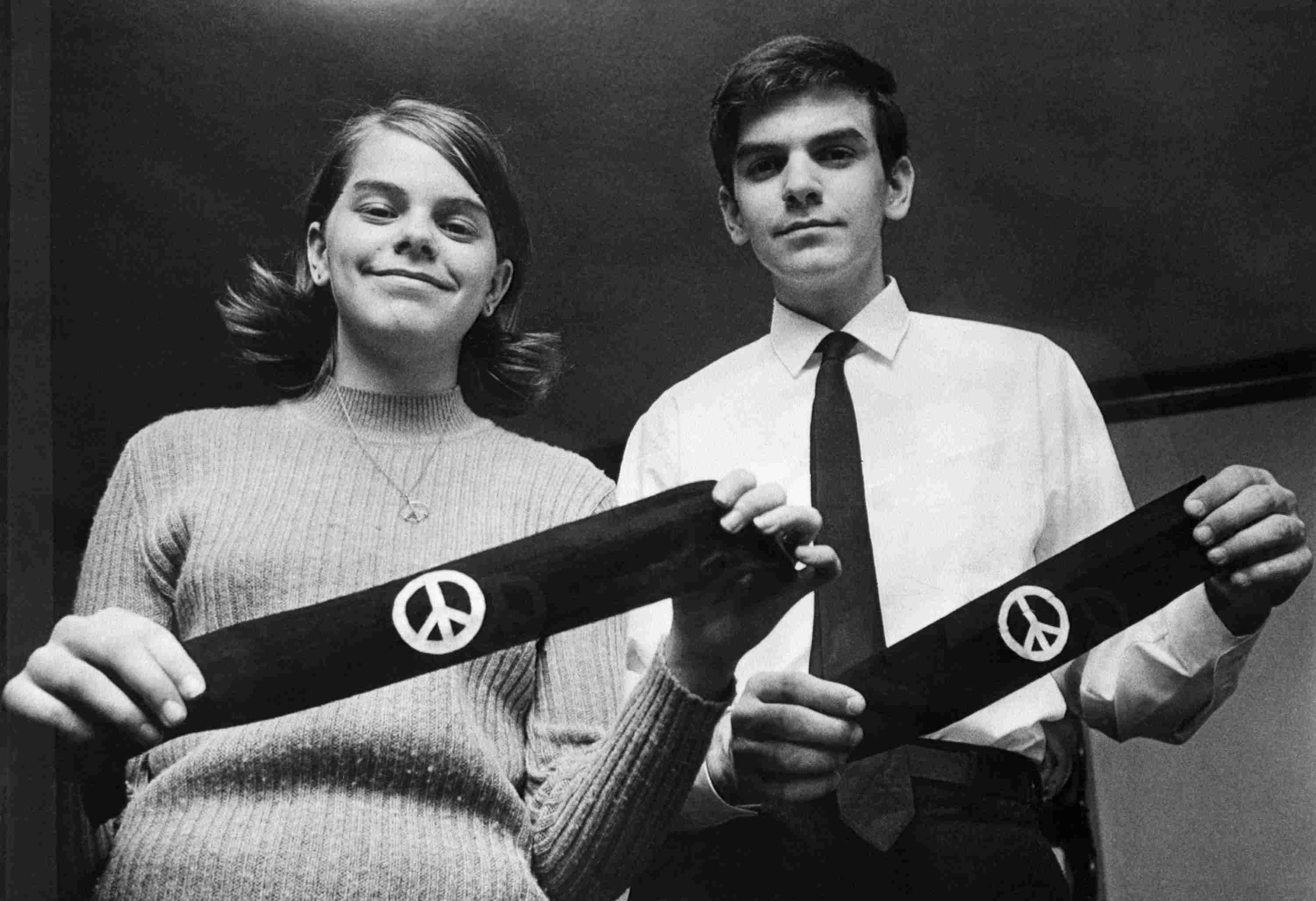Photograph of protesters with armbands