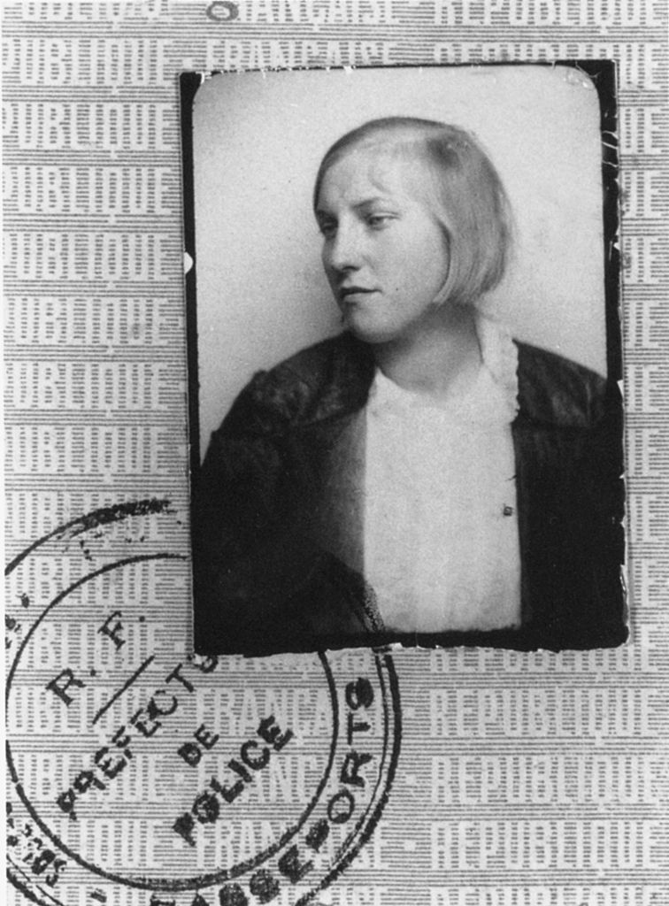 Marie-Thérèse Walter passport photo