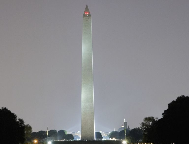 Traditional, uneven Washington Monument lighting © Medioimages/Photodisc, Getty Images