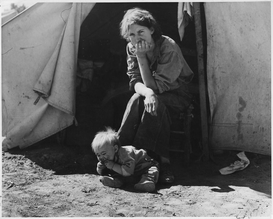 18-year-old-mother from Oklahoma now a migrant worker in California during the Great Depression.