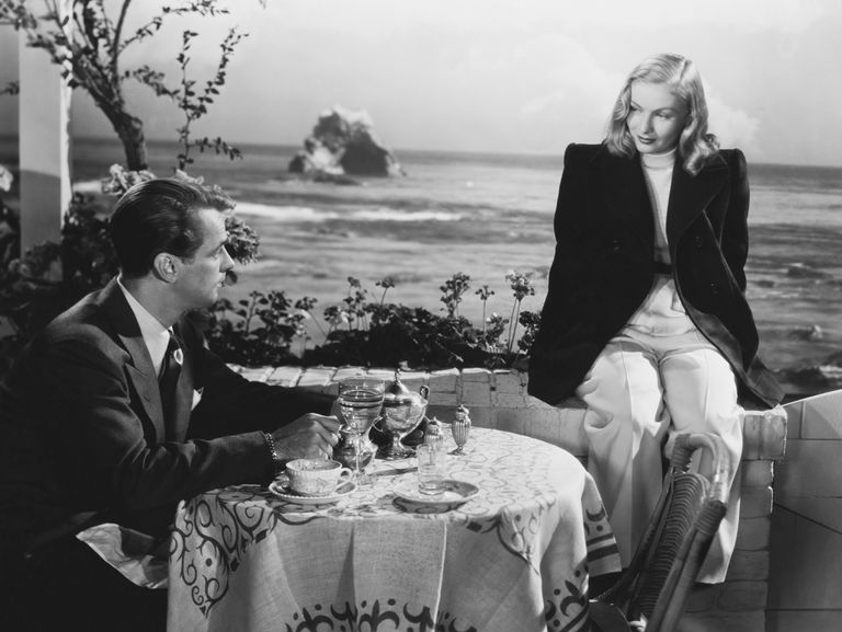 Alan Ladd and Veronica Lake in The Blue Dahlia