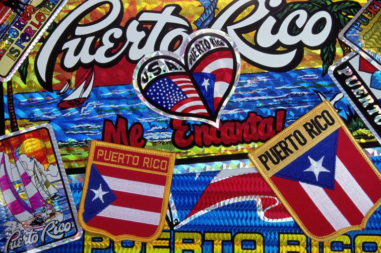 Collage con motivos puertorriqueños
