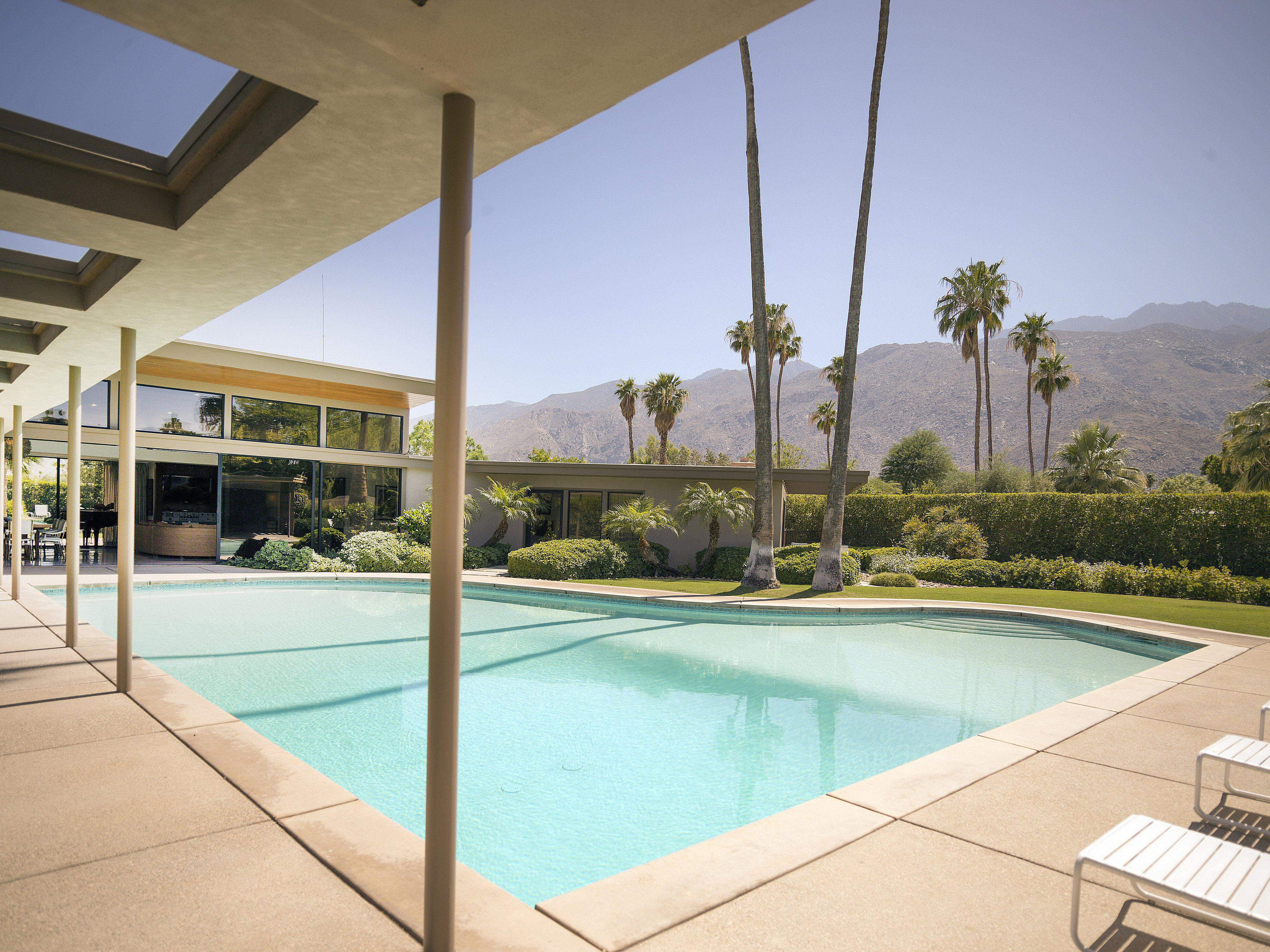 Architecture of the Rich and Famous in Palm Springs