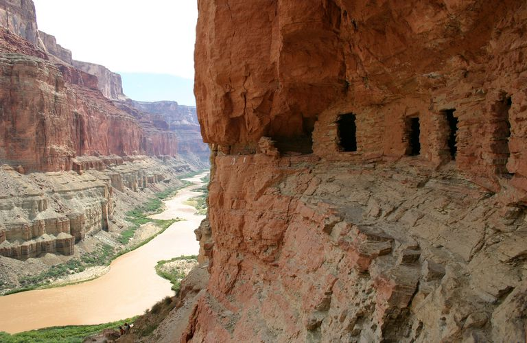 Early markers of settlement in the Grand Canyon