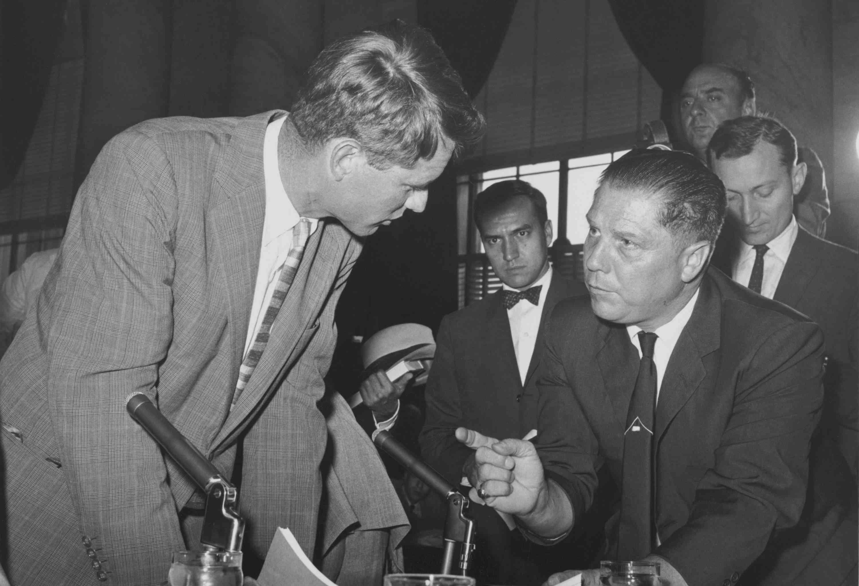 photo of Jimmy Hoffa gesturing to Robert Kennedy