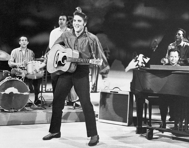 Elvis rehearsing