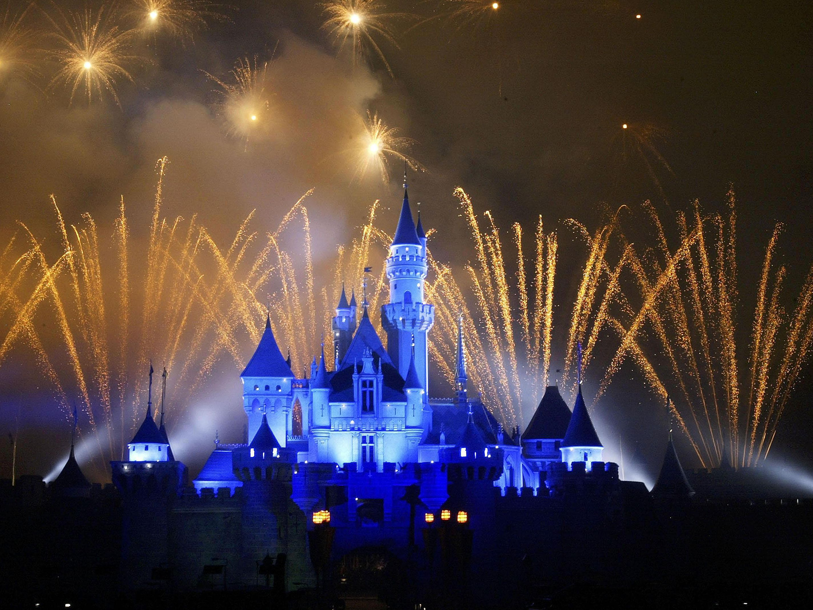 Geography and Facts on Disney Theme Parks