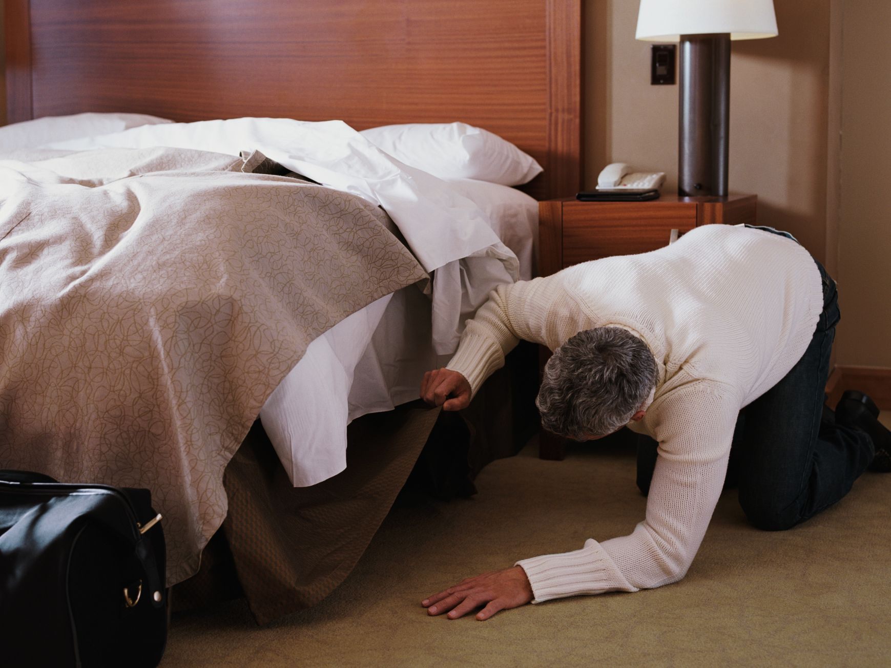 The Body Under the Bed - Urban Legends