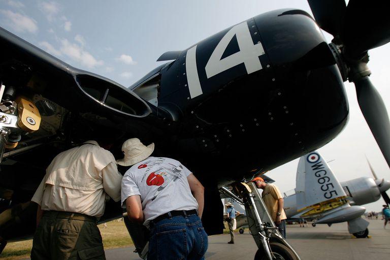 Bearcat F6F maintenance