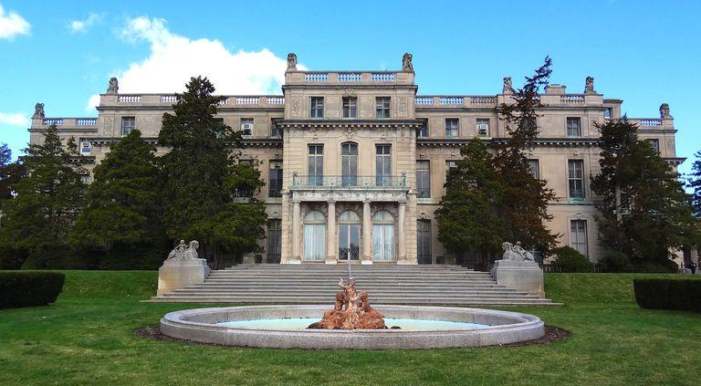 Woodrow Wilson Hall at Monmouth University