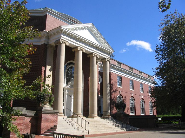 Trinkle Hall at University of Mary Washington