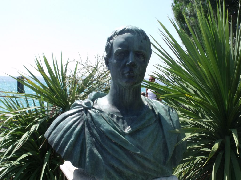 Προτομή του Gaius Valerius Catullus στο Sirmione