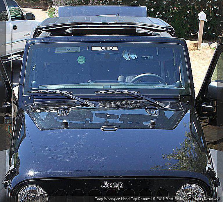 Remove the 2011 Jeep Wrangler 3 Piece Modular Hard Top