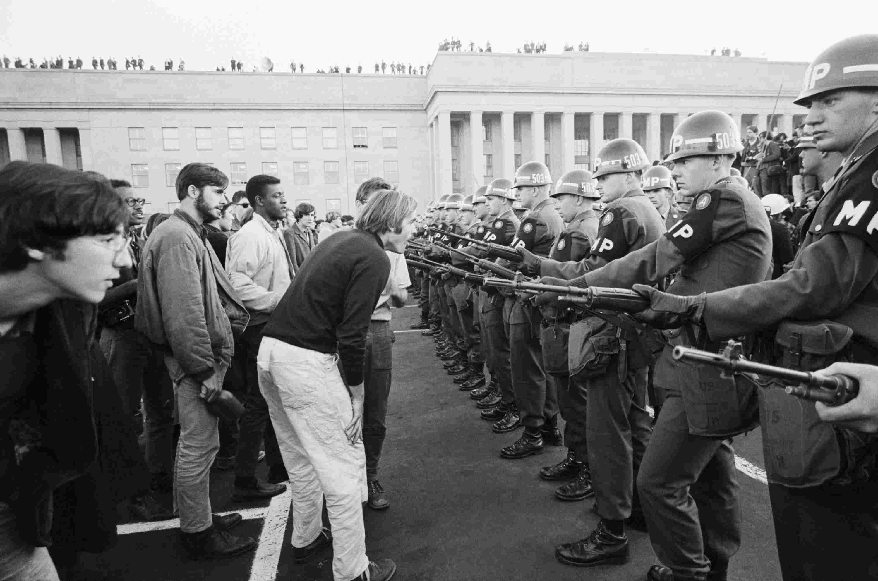 Photograph of protesters at the Pentagon in 1967