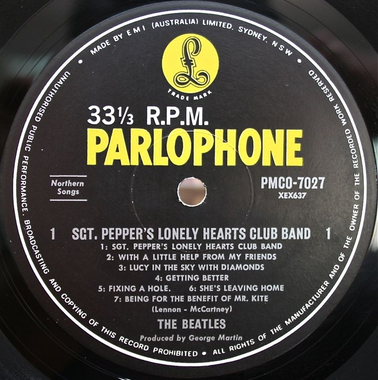 Sgt Pepper S Lonely Hearts Club Band Front