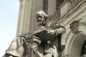 Statue of Shakespeare in Pittsburg