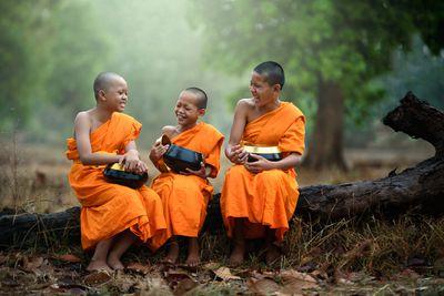 dating a buddhist woman