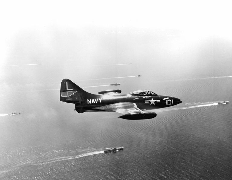 F9F Panther in flight