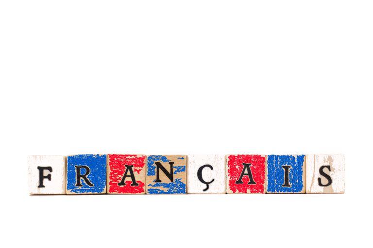 Wood block letters spelling 'Français'