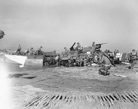 Allied troops landing in Italy, 1943
