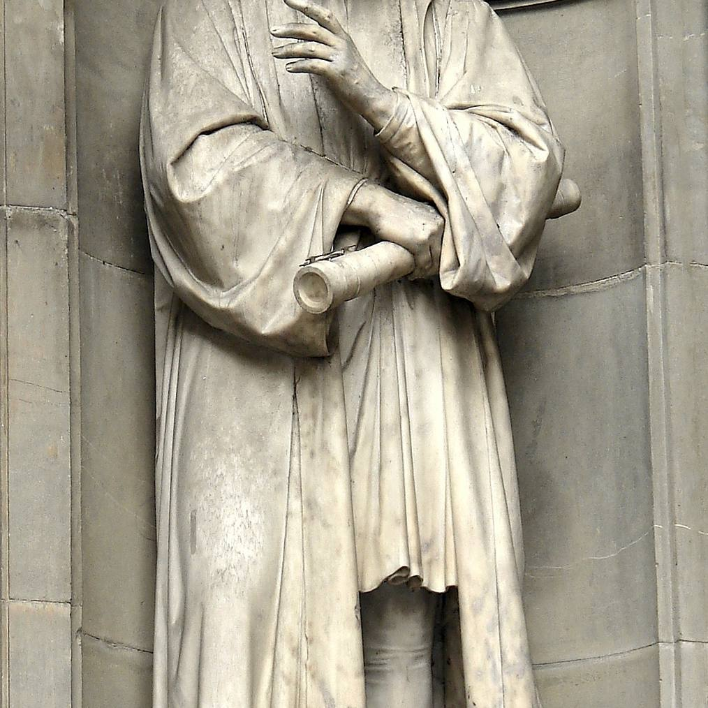 Statue of Galileo.