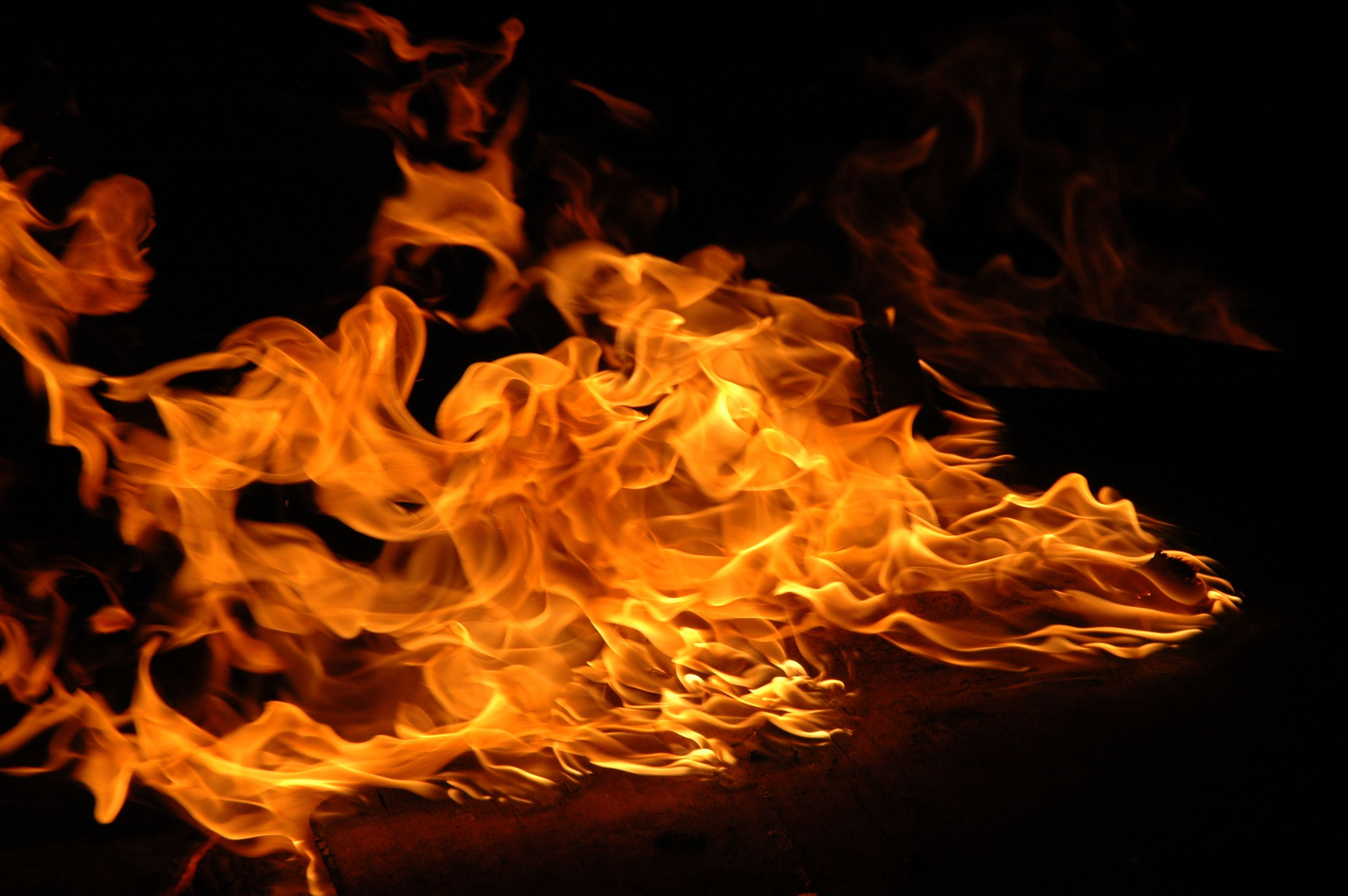 what is fire made of chemical composition