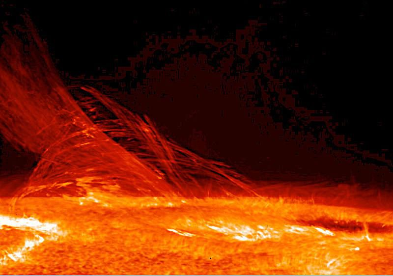 Image of the sun's chromosphere.