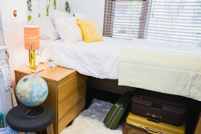 Hey Freshmen: What to Bring and Not to Bring to College