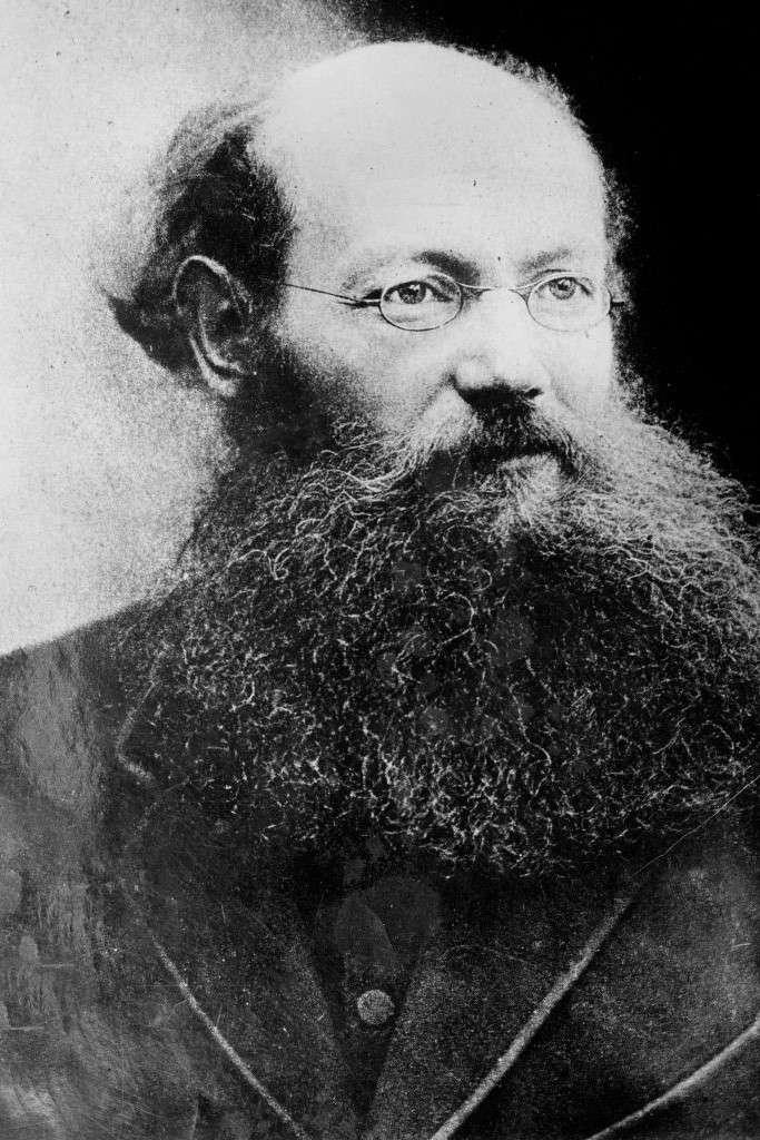 Peter Kropotkin (1842-1921).