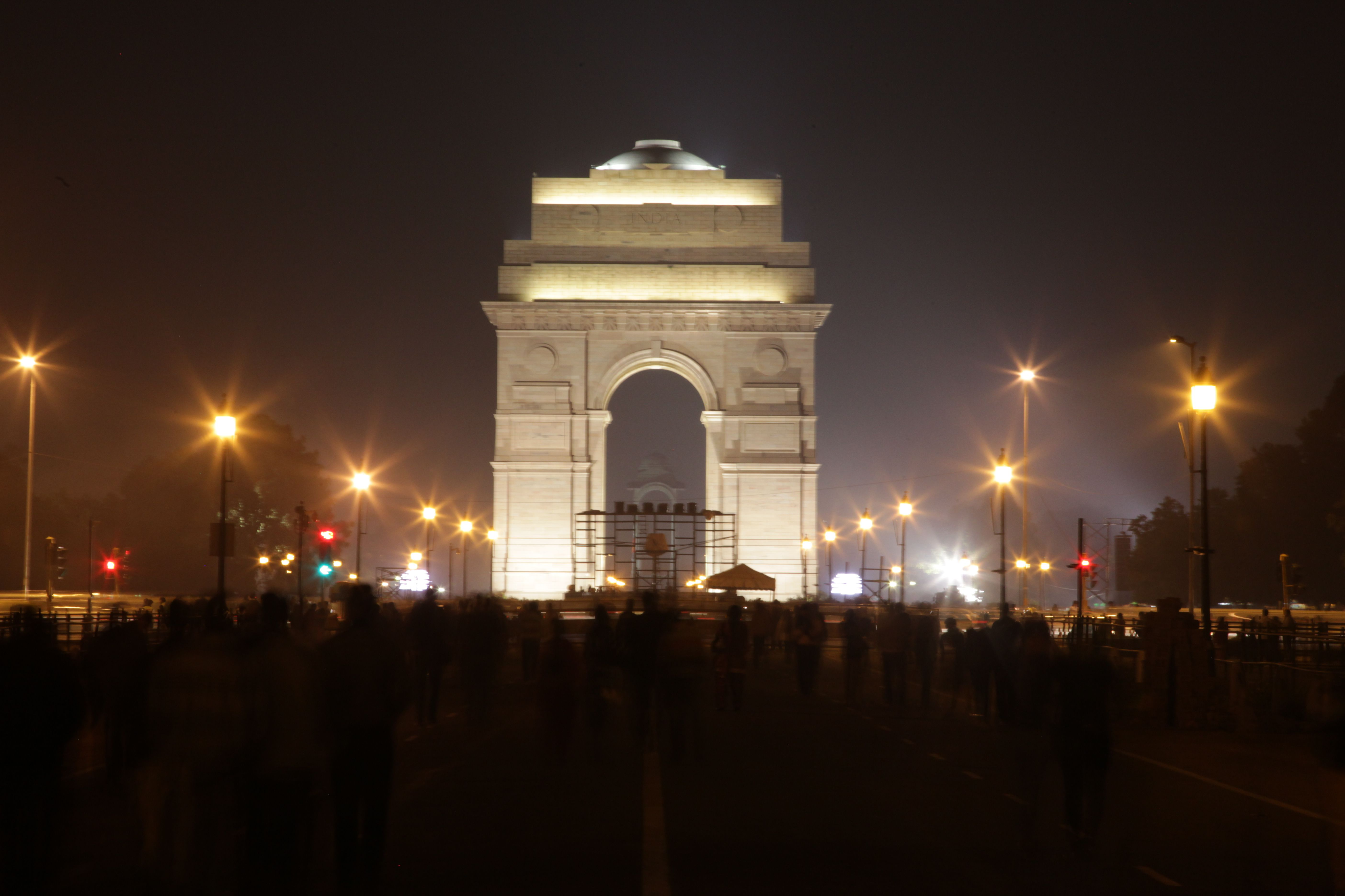 arch in India inspired by Arc de Triomphe located in Paris, which in turn is inspired by the Roman Arch of Titus