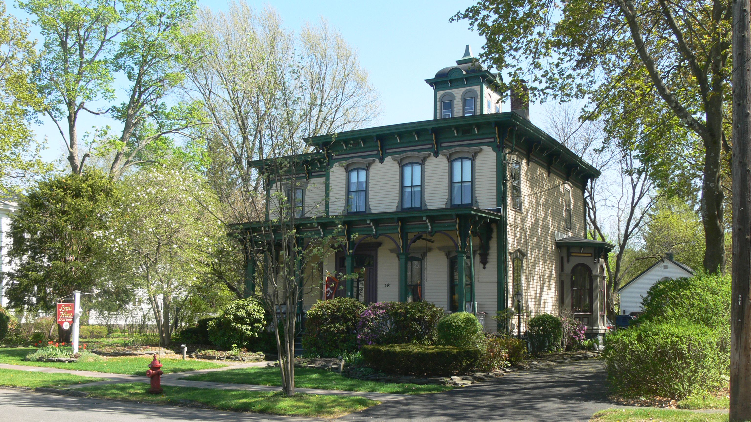 Italianate Lewis House in Upstate New York.